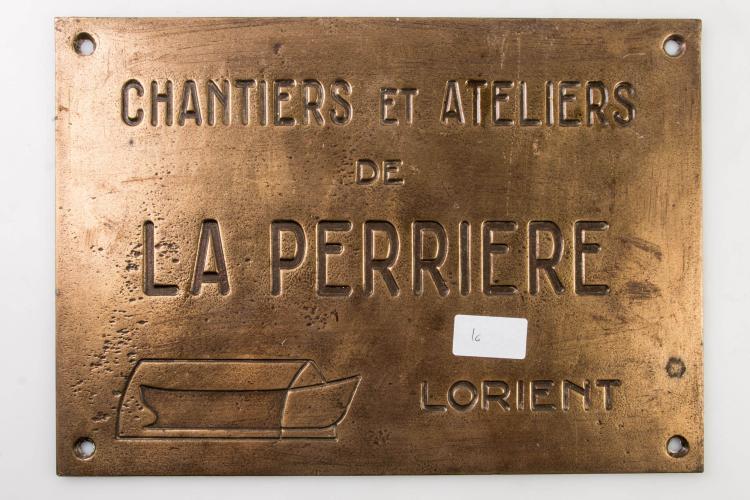 Plaque constructeur ateliers et chantiers la Perrière à Lorient. 24 x 34 cm.
