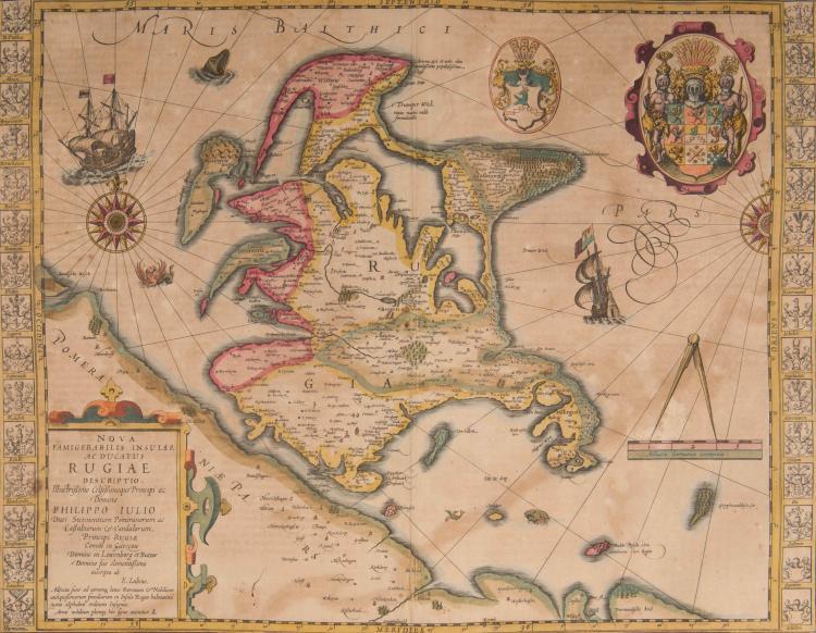 ALLEMAGNE Rügen. Nova famigerali insula Rugiae descriptio... Philippo Iulo 49 x 37 Navire, 2 roses, monstre marin. Grand bla - son + blasons en marge. Carte très décorative.