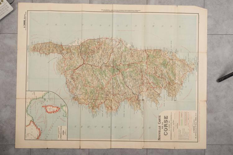 Grande carte géographique de l'île de la Corse milieu XXe, 103 x 79 cm.