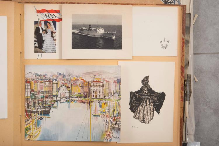 Lot important de plaquettes et publicités de la Compagnie de Navigation Mixte dans 3 albums