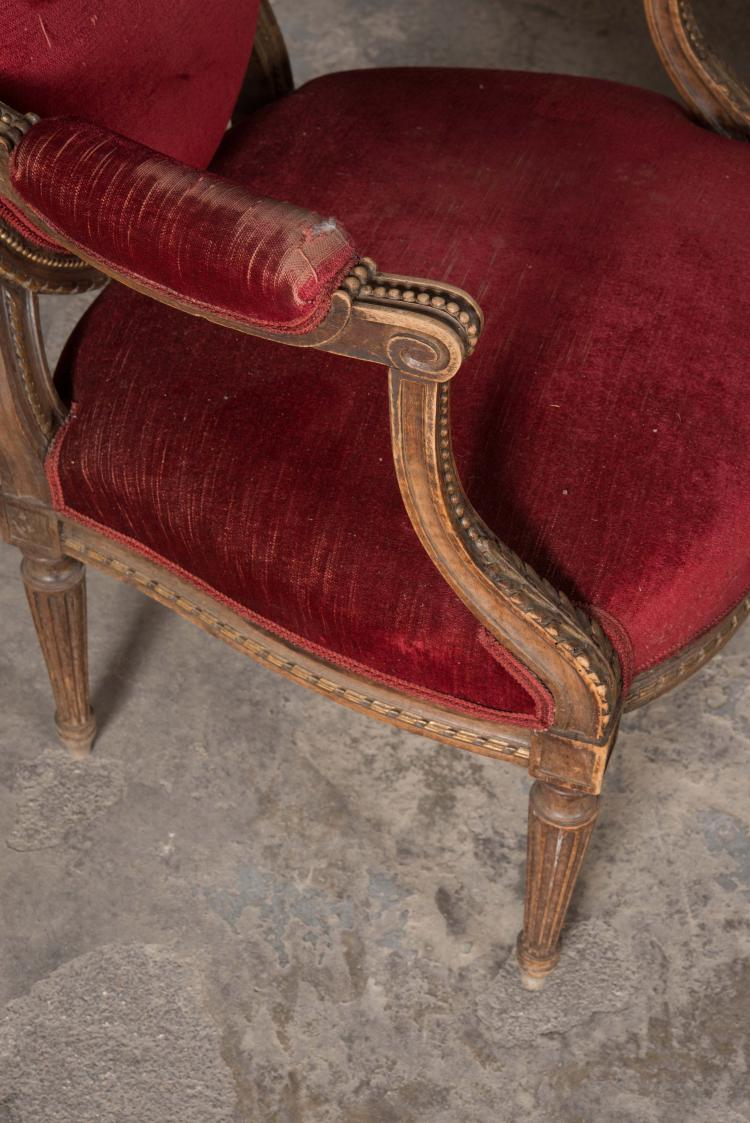 Suite de deux fauteuils et un canap dossier m daillon et for Canape et deux fauteuils