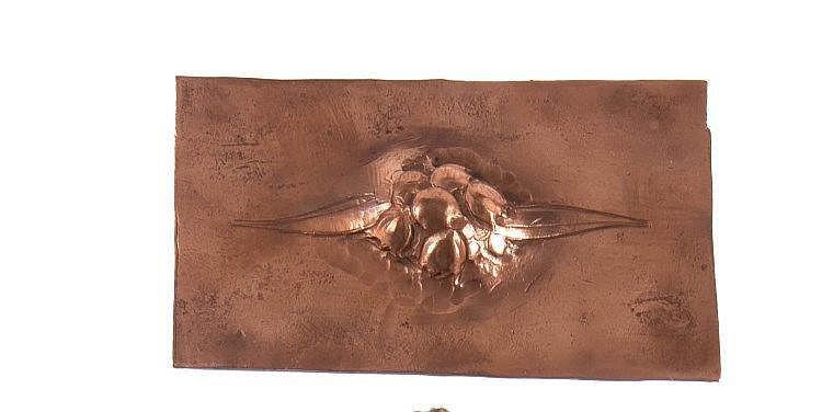 MAURICE DAURAT (1880-1969)   Projet de broche en cuivre à décor de muguets. Vers 1910-1915.   L. : 7,5 cm.
