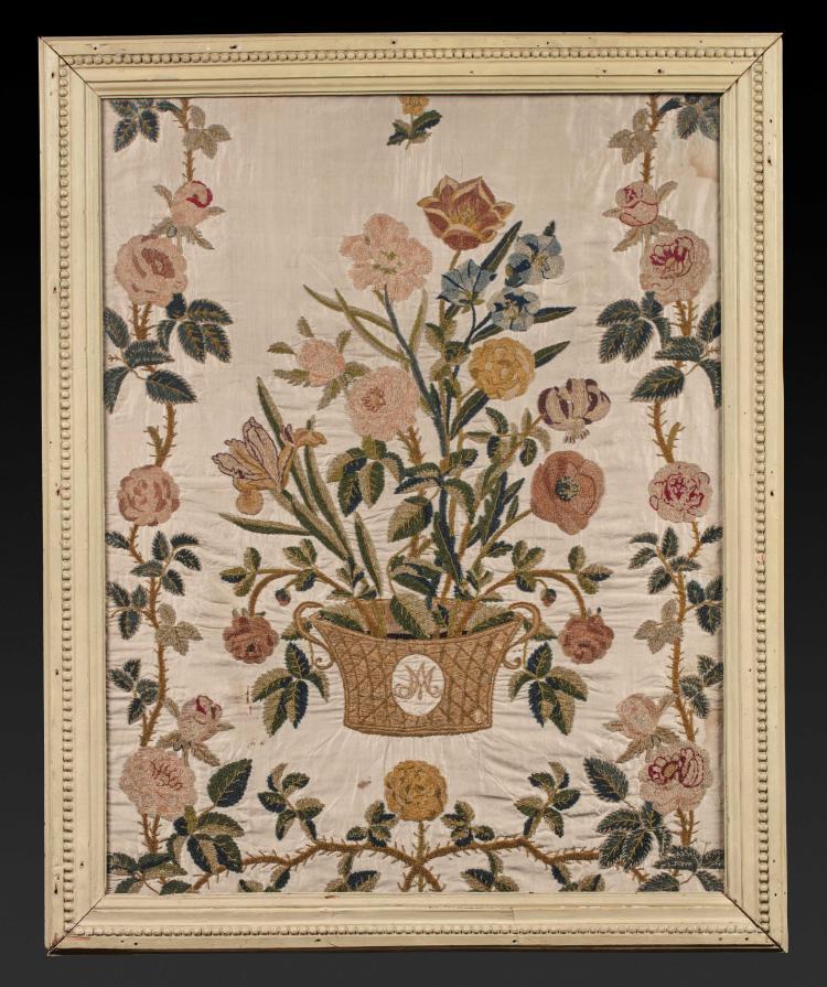 broderie sur satin un bouquet de fleurs dans un vase portan. Black Bedroom Furniture Sets. Home Design Ideas