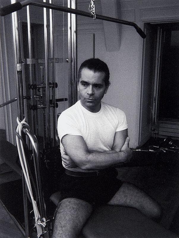 GUY MARINEAU (né en 1947)Karl Lagerfeld.Tirage argentique postérieur, signé.Encadré à vue : 48.5 x 38.5 cm.