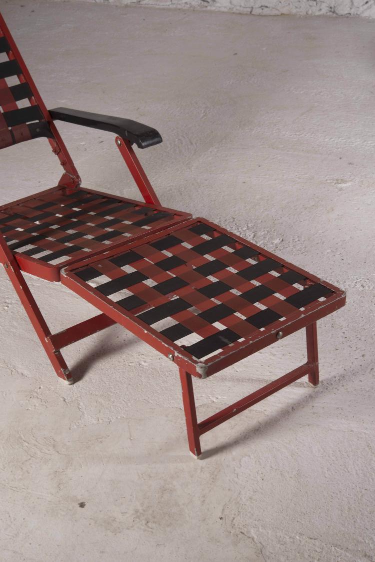 Travail fran ais paire de chaises longues for Chaise de travail