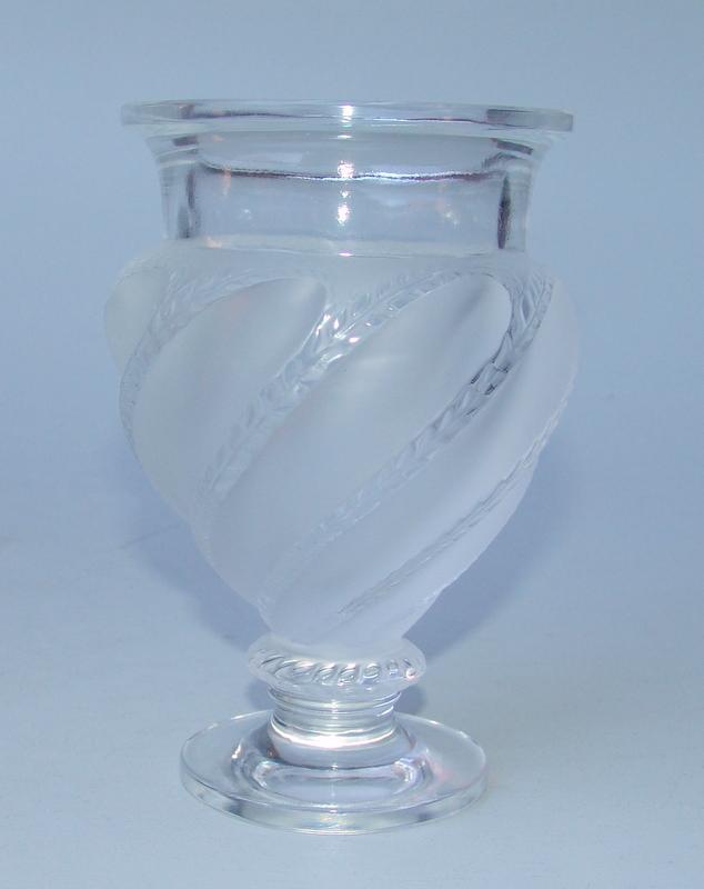 Rene Lalique, Wingen sur Moder: Vase mit Lorbeerdekor