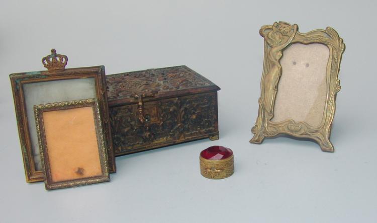 Kleine Prunkkassette des frühen Jugendstil um 1900