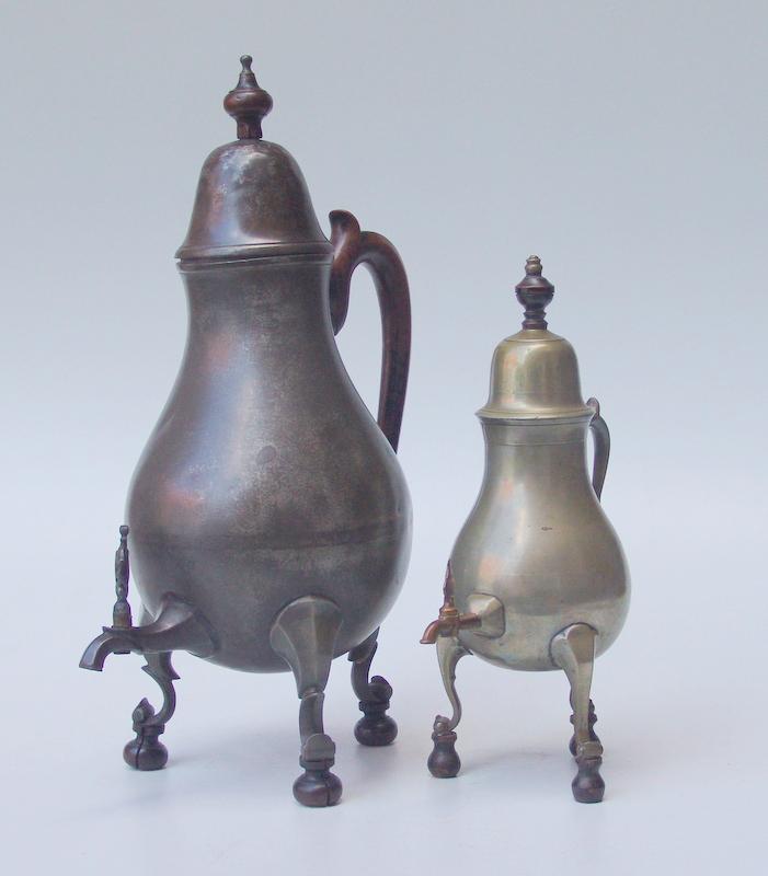 2 Kranen-Kannen, um 1800