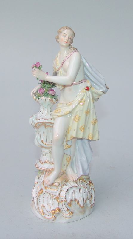 Königl. Meissen (Unterglasurblaue Marke (frühe Knaufzeit)  1850-1900): Jahreszeiten-Figur