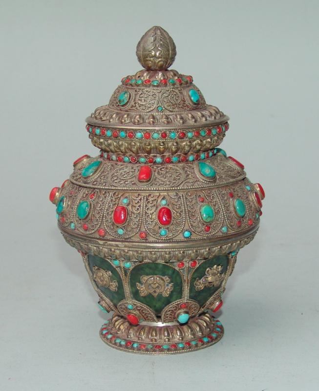 Tibetische Silberdose Koralle und Türkisen und mit Montierter Jade