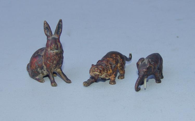3 antike Wiener Bronzeminiaturen: Tiger, Hase und Elefant