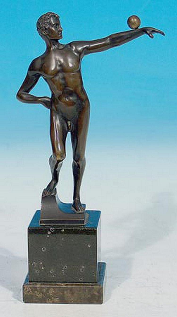 Beck, Ernst (1879-1941) Kugelspieler (Akt). Bronze