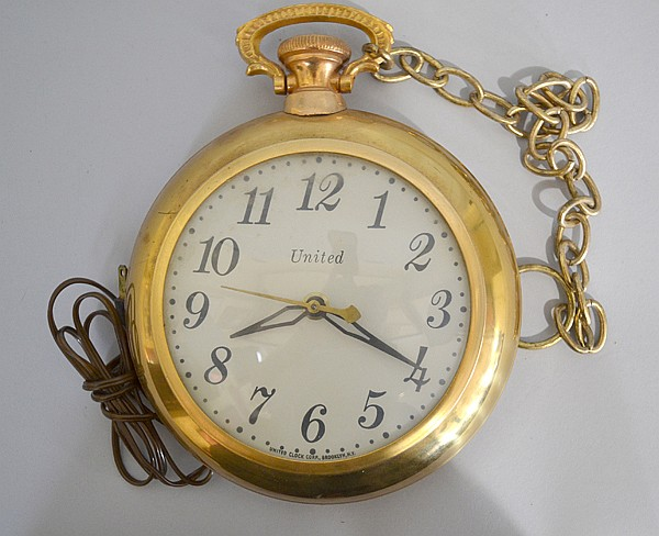 VINTAGE 1950'S BRASS UNITED CLOCK CO POCKET WATCH ELECRIC WA