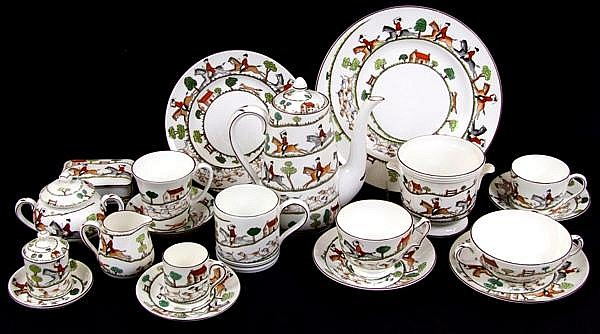 CROWN STAFFORDSHIRE HUNTING SCENE DINNERWARE 84 PIECES. Lot