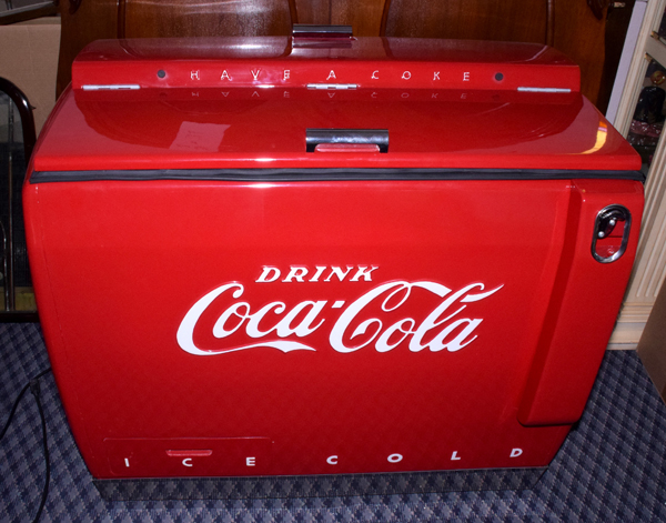 1960's CAVALIER COCA-COLA CHEST COOLER MODEL C-22