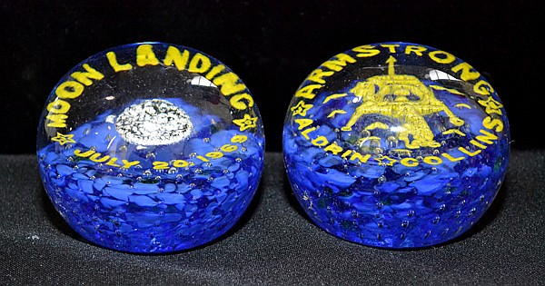 Lot 473 PAIR OF JULY 20 1969 MOONLANDING COMMEMORATIVE PAPERWEIGHTS