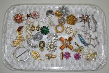 40+ ASSORTED RHINESTONE PINS & BRACELETS - Condition: Age appropriate wear; All items sold as is.