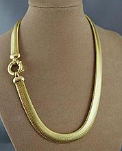 18ct yellow gold necklace in original Davi Connor