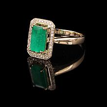 9ct yellow gold emerald and diamond ring claw set