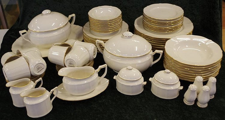 Extensive Noritake dinner set & Extensive Noritake dinner set