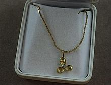 9ct gold chain & flower pendant with diamond