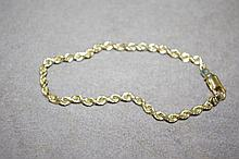 14ct yellow gold twist bracelet Total weight