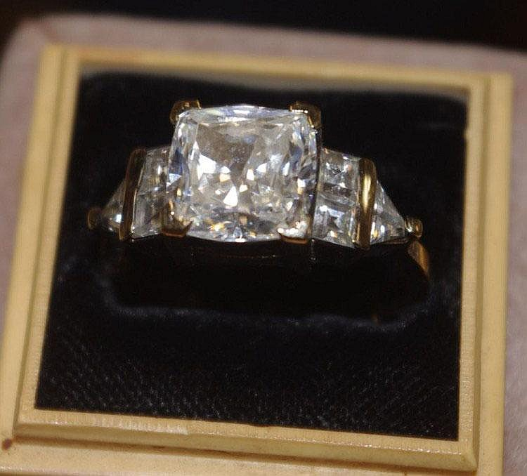 Zircon and silver gilt ring