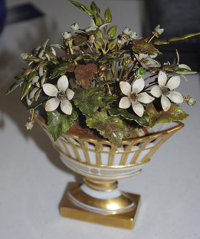 Paris porcelain style urn with metal flower