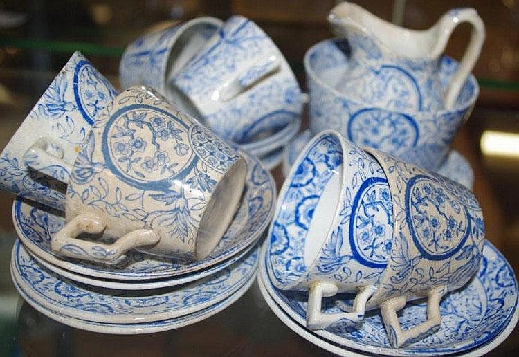 Antique English blue & white Toy teaset