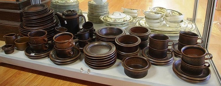 Arabia (Finland) \u0027Ruska\u0027 stoneware dinner set comprising of 6 large 6 & Arabia (Finland) \u0027Ruska\u0027 stoneware dinner set comprising of