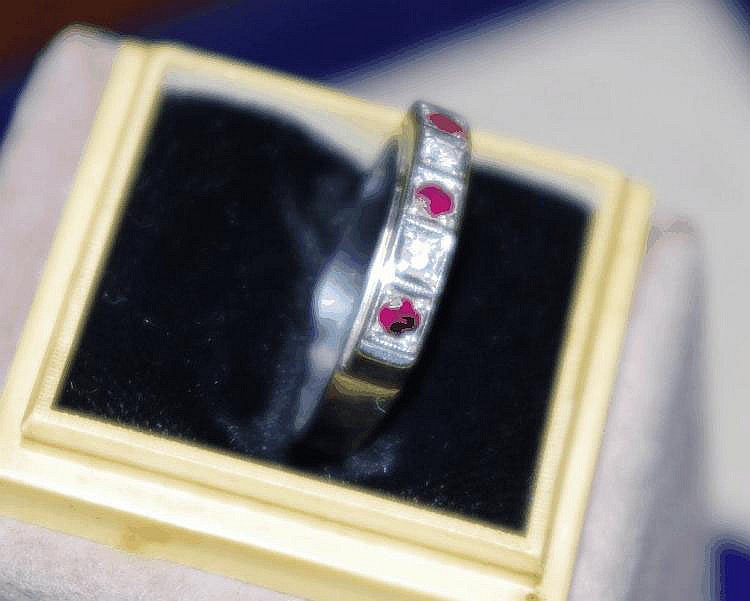 White gold ruby and diamond ring weight approx 3.0