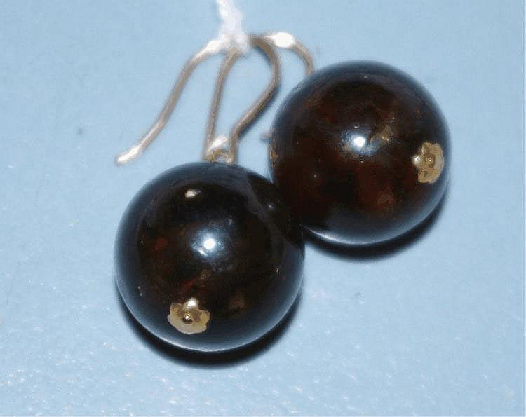 Pair of good amber and 9ct gold drop earrings