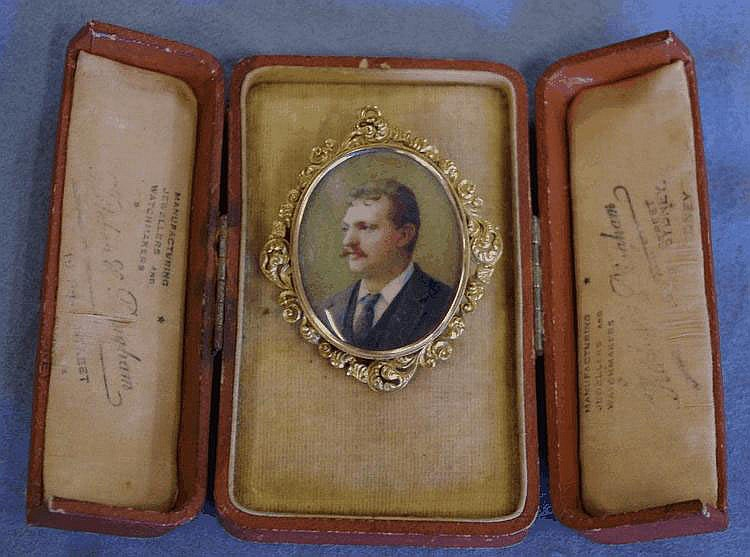 Portrait miniature, on ivory, framed in 15ct gold