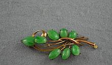 Vintage 14ct rose gold and jade brooch