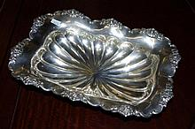 Hungarian 800 silver fruit bowl on four paw feet.