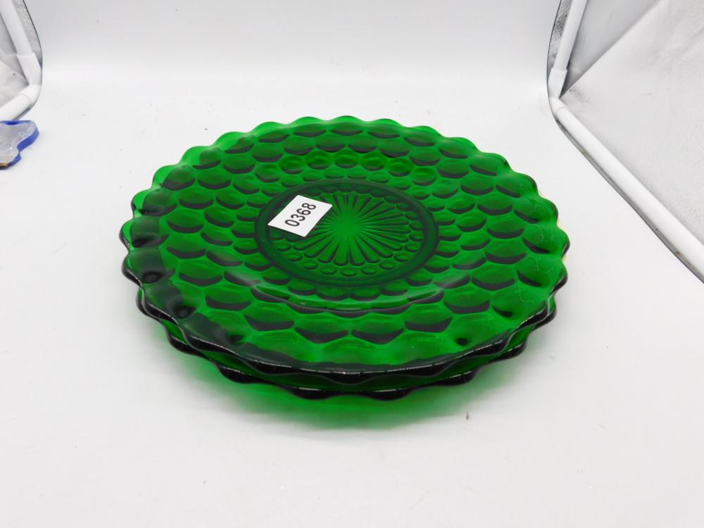 2 DEPRESSION FOREST GREEN BUBBLE DINNER PLATES