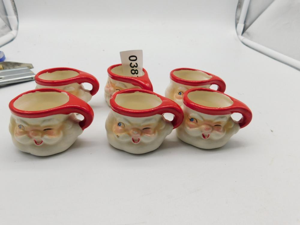 6 MINATURE SANTA CUPS