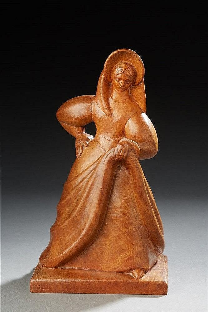 LEFEBVRE?Statuette en bois figurant une femme. Signée. H. : 30,5 cm