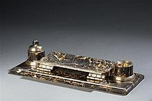 Robert LINZELER  Encrier de bureau en marbre et argent. Modèle à rapproche