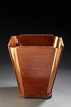 Jacques Emile Ruhlmann?( 1979-1933 )  Corbeille à papier en bois de forme