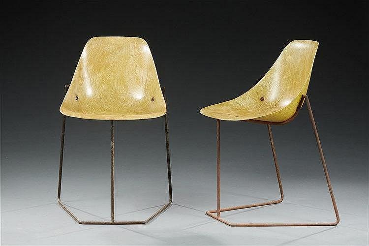 René Jean Caillette (1919-2004) & Editeur  Paire de chaises Coccinelle str