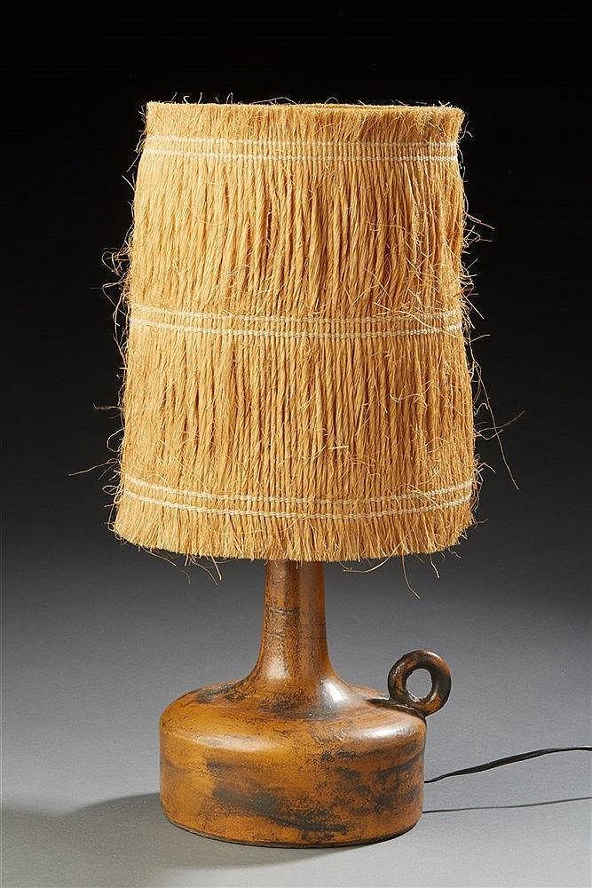 Jacques Blin (1920-1995) Pied de lampe en céramique émaillée ocre et noir