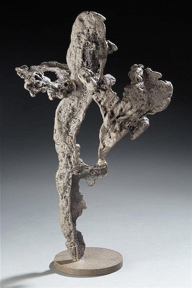 Amilcar Zannoni (1922-2009) Sculpture en fonte de fer signée sur la base.