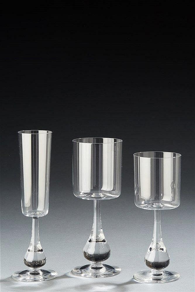 BORIS TABACOFF pour BACCARAT, Modèle José Service de 36 verres en cristal