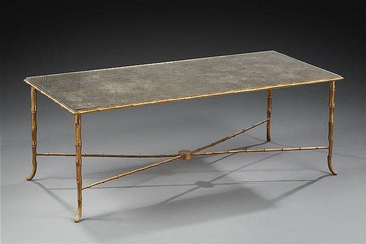 Maison Bagues  Table basse à plateau rectangulaire en miroir marbré reposa