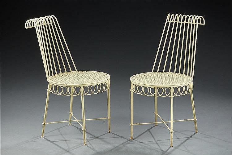 Mathieu MATEGOT (1910-2001) Paire de chaises modèle « Cap d'ail » en fer