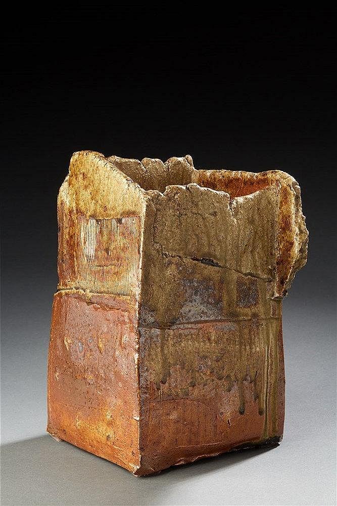 La Borne (XXe) Vase carré en grès émaillé monté en plaque à bords arrachés