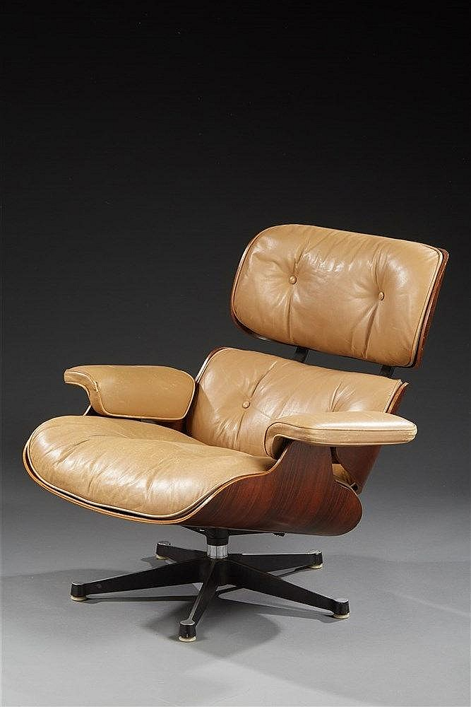 Charles eames 1907 1978 ray eames 1912 1988 mobilie for Mobilier international eames