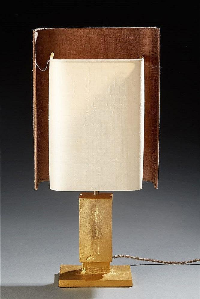 Felix Agostini (1910 - 1980)  Lampe en bronze accueillant aba-jour d'origi