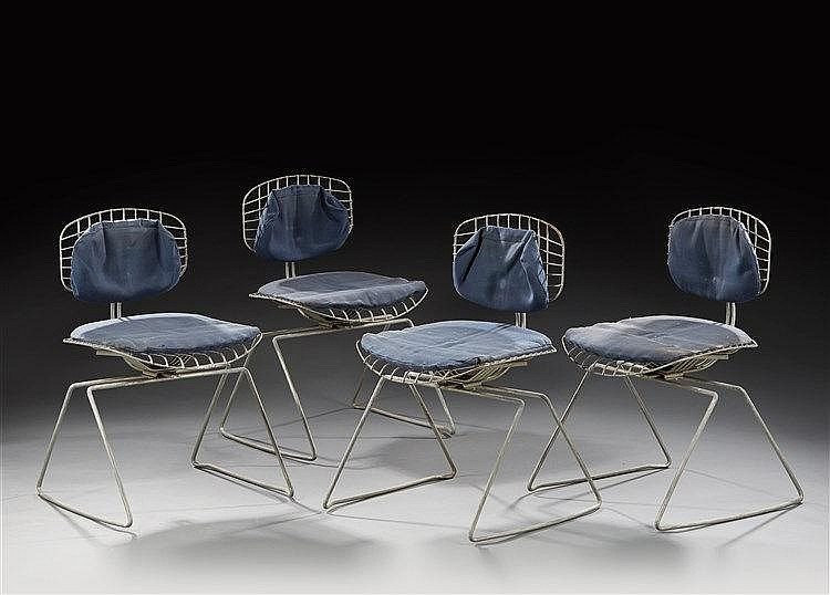Michel Cadestin (Né en 1942) & Teda Editeur Suite de quatre chaises modèle